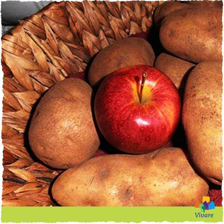 Het stampotten seizoen is losgebarsten! Houd je aardappelen langer goed en zorg dat ze geen wortel schieten door een appel bij de aardappels te bewaren.  Bewaar ze in het donker op een koele (maar zeker niet vochtige) plek! Via Vivare Woningcorporatie
