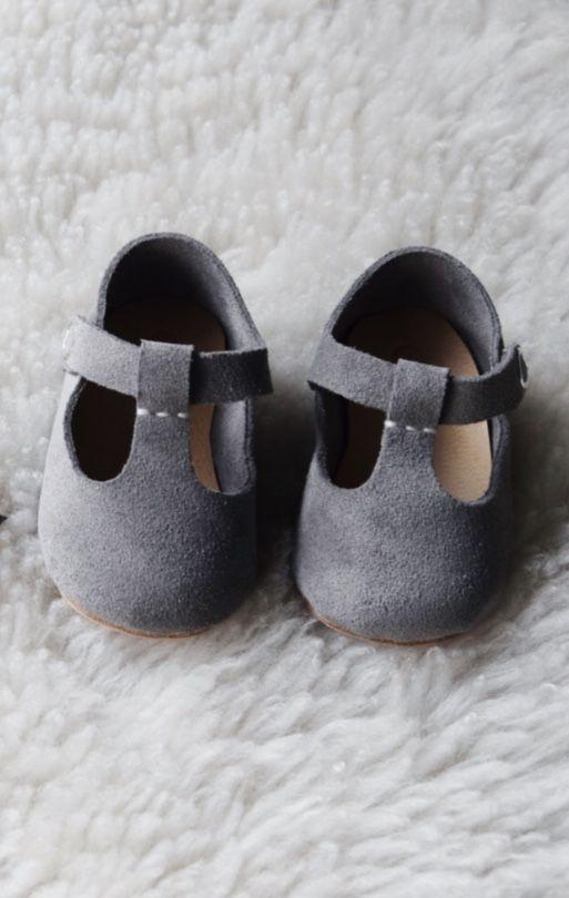 Sweet Handmade Leather Mary Jane Baby Shoes | CriaBabyShoes on Etsy