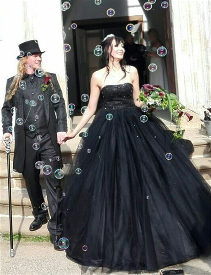 Gorgeous  Sweetheart Floor Length Feather Black Tulle Wedding Dress  black gothic wedding dresses High Quality robe de mariage