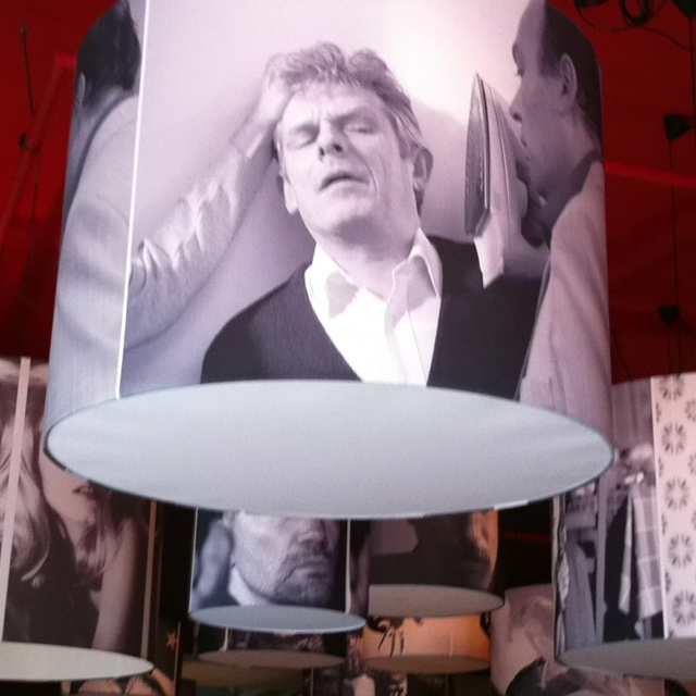 Beschrijf je pin...lampen met prints van films. Filmcafe Nijmegen