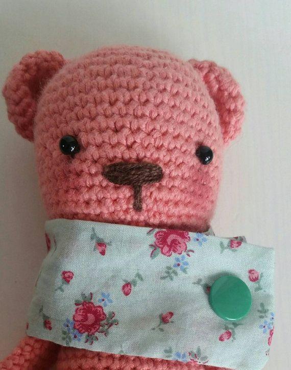 Hey, diesen tollen Etsy-Artikel fand ich bei https://www.etsy.com/de/listing/387323514/amigurumi-golden-bear-hakelbar