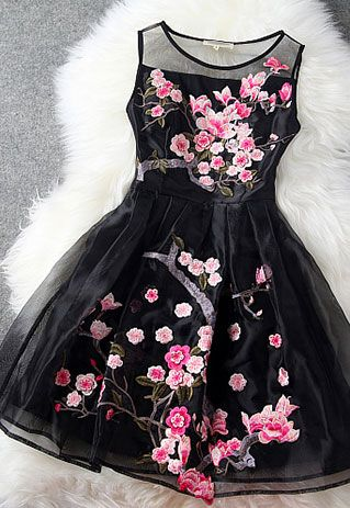 Elegant Sweet Flower Embroidery Semi-sheer Party Dress