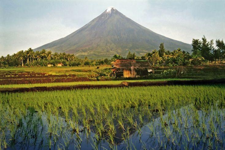 symmetry in turmoil - Naga, Camarines Sur