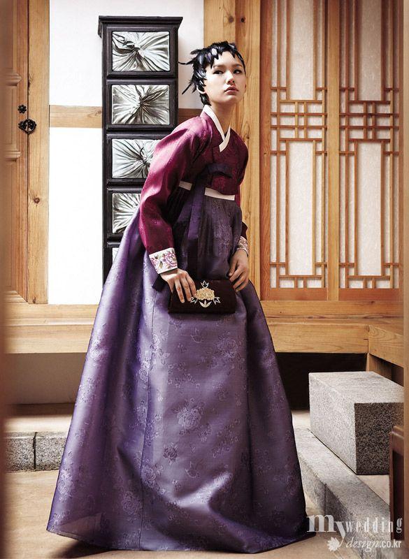 My wedding_ 한옥 화랑에서 모던함이 가미된 한복을 선보인 비단.빔 전통과 현대 사이 아름다움을 탐하다