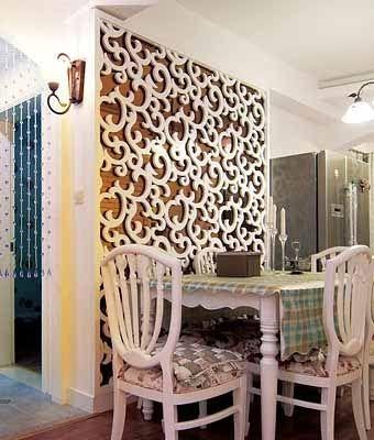 стена с декоративными панелями на кухне