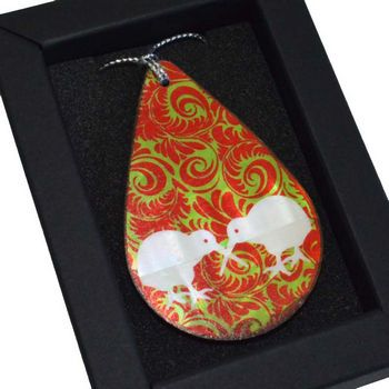 New Zealand Mother of Pearl Kiwi Drop Christmas Decoration - http://www.silverfernz.com/3385-mother-of-pearl-kiwi-drop-christmas-decoration.htm