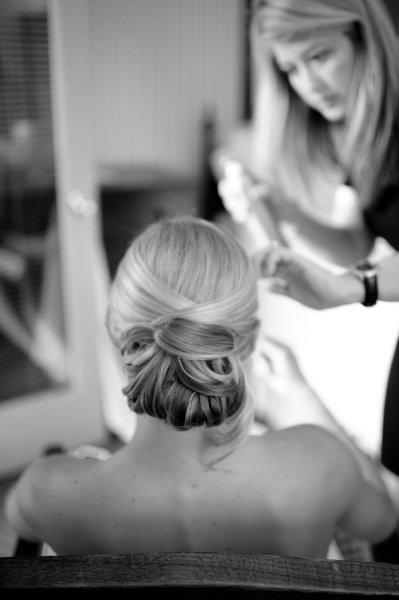 #darling hair, perfect and modern.  Brown Dress #2dayslook #BrownDress #kelly751  www.2dayslook.com