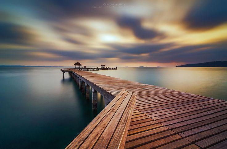 Photograph Wooden bridge (ระยองรีสอร์ท) by Taweesak Boonwirut on 500px