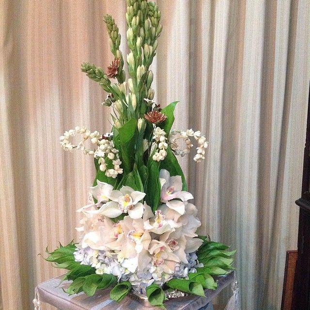 Malay Custom Wedding - Hantaran ie Wedding Gifts. We called it Sirih Junjung . Decorated by Safinaz Yusof the hantaran decorator.