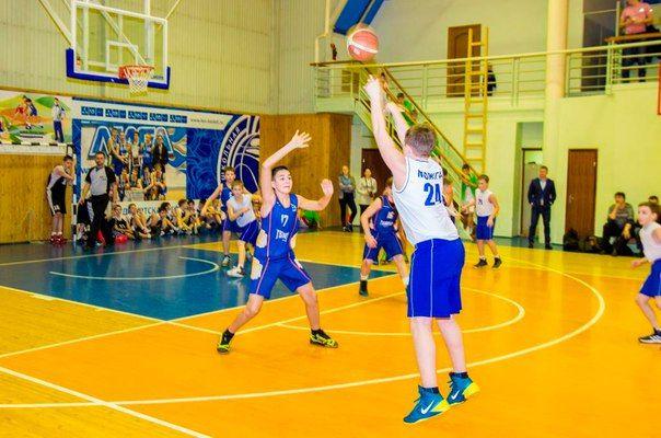 Можгинские баскетболисты заняли 2-ое место в полуфинальном этапе первенства России по баскетболу
