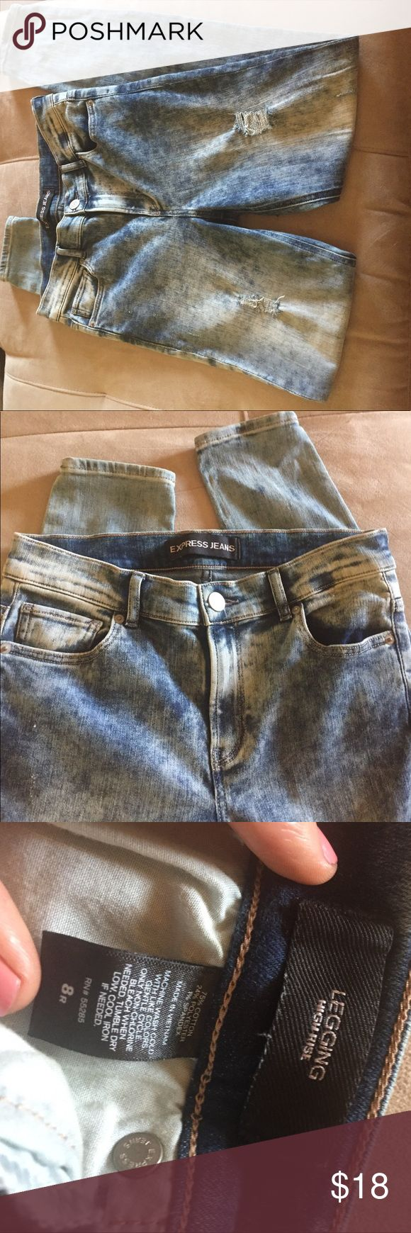 Express legging Jeans- acid washed and torn⚡️ Express jeggings! Good condition✨ Super comfortable! Express Pants Leggings