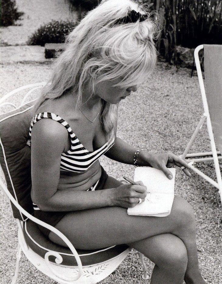 scrunchie, striped bikini