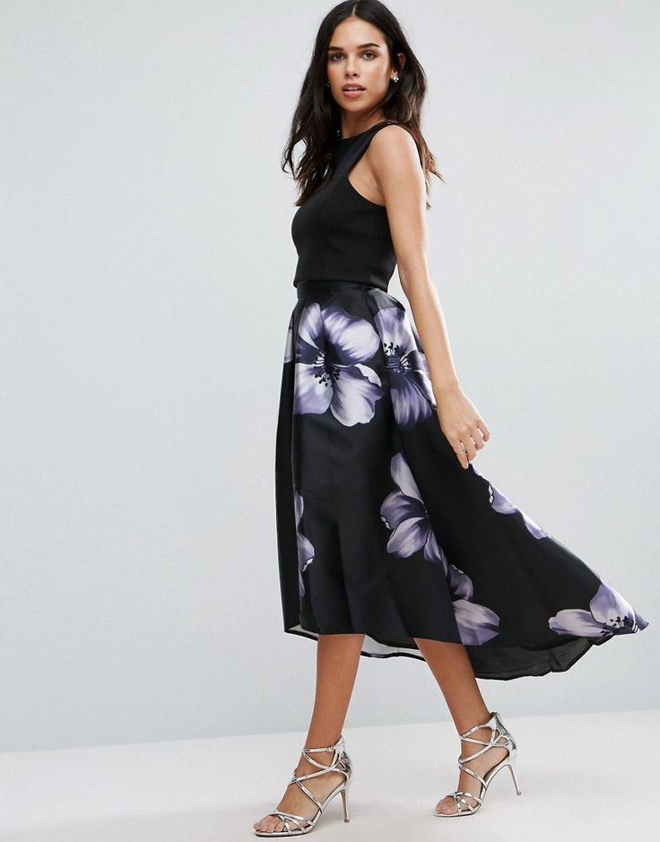 Get this Jessica Wright's knee skirt now! Click for more details. Worldwide shipping. Jessica Wright Dip Hem Floral Midi Skirt - Black: Skirt by Jessica Wright, Smooth fabric, High-rise waist, Dip hem, Regular fit - true to size, Hand wash, 100% Polyester, Our model wears a UK 8/EU 36/US 4 and is 168cm/5'6 tall. (falda por la rodilla, rodilla, rodillas, medio largo, media pierna, knee-length, knee length, 3 / 4 length, midi skirt, mid-rise, longuette por la rodilla, knielanger rock, falda a…