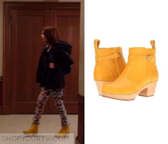 "Unbreakable Kimmy Schmidt: Season 3 Episode 4 Kimmy's Yellow Boots | Shop Your TV Kimmy Schmidt (Ellie Kemper) wears these yellow short booties in this episode of Unbreakable Kimmy Schmidt, ""Kimmy Goes To College"".  They are the Swedish Hasbeens Boots."