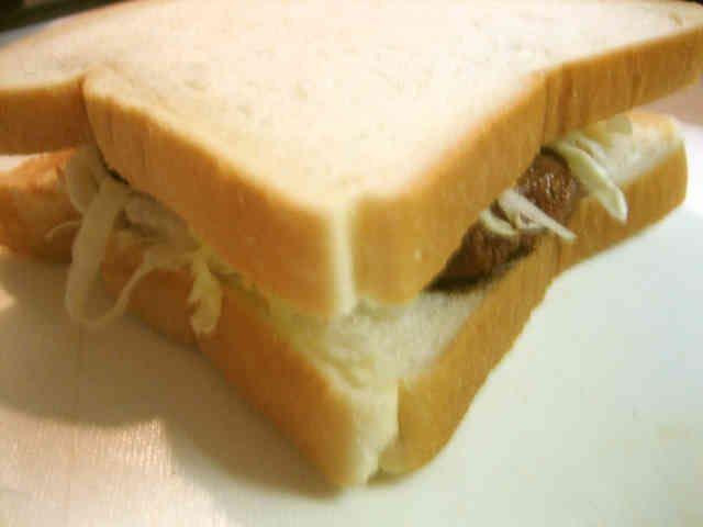 ソースで勝負♪和風チキンカツサンドイッチの画像