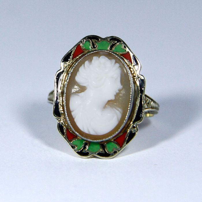 Art Nouveau ring (~1910) with enamel & cameo