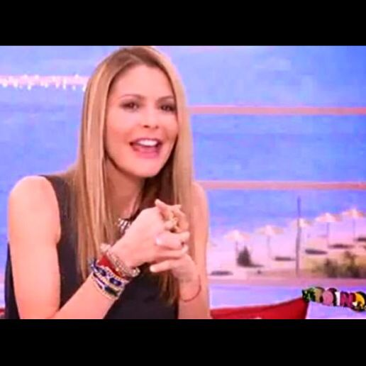 Jenny Balatsinou wearing Klaidra friendship bracelet at Proino Mou, Mega Tv