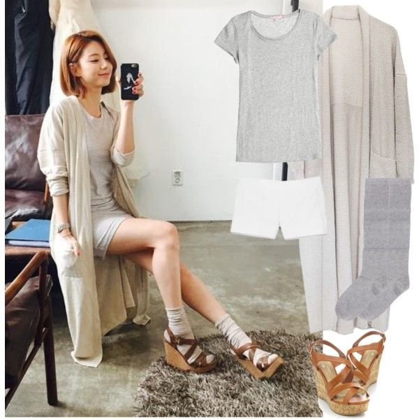 Park Soo Jin - She match socks and heels very nicely. Love it!