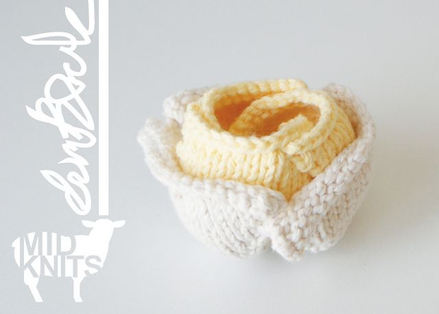 Ravelry: Origami Rose Air Planter (2015011) pattern by Erin Black