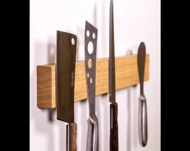 **Magnet-Messerleiste aus Eichenholz ** Deine Kochmesser bleiben somit immer griffbereit und in Deiner Reichweite. So macht Kochen Spaß! **•starke Magnete für Deine besten Messer •Befestigung...