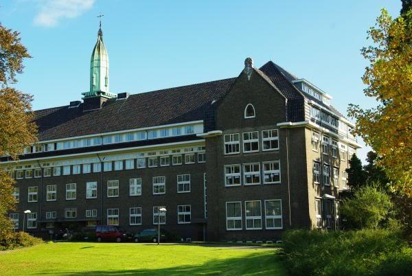 Klooster, Kerkstraat, Hees