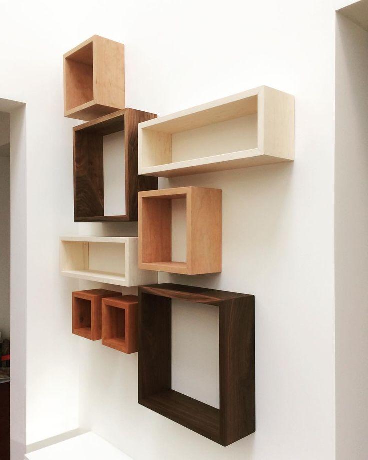 Ontwerp wandkastverzameling in massief Peren-, Esdoorn-, en Notenhout uitgevoerd door @vanoschinterieur   #meubelmakerij#meubel#design#interieur#ambacht#handwerk#maatwerk#inbouw#hout#furniture#interior#interiordesign#craft#wood #closet #kast #woodworking