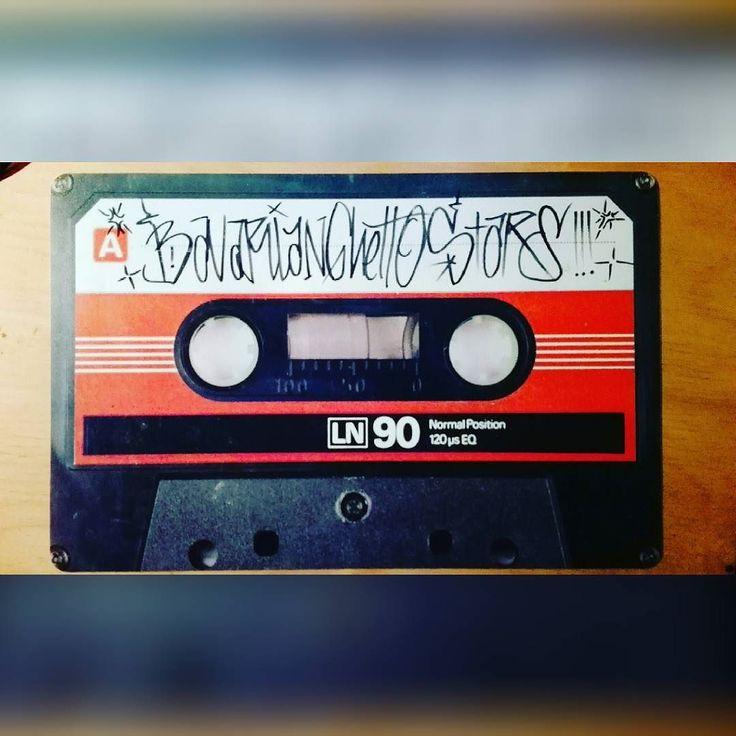 Die Brüder machen auch Musik. #rap #beats #techno #bass #funk #soul #deejaying #turntablism #art #design #music #bgs #augsburg #bennigarrido #johnnytemple #tace #mistafista #kexkuhl #richardpalme #seom #grizu #vauh #drucki #emc3d by bavarianghettostars http://ift.tt/1HNGVsC