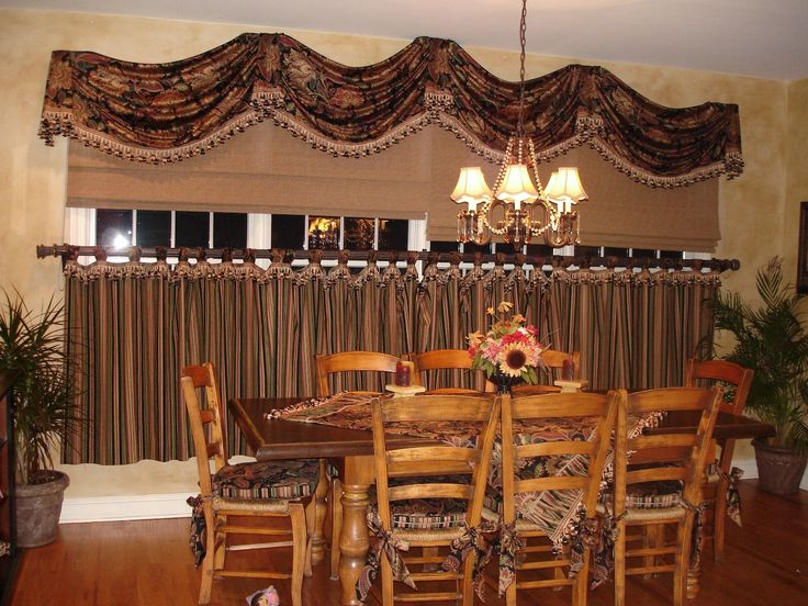 Beautiful Decor Tuscan Style Decorating With Wooden Table And Chairs Also Flower Vase  As Well As Curtain