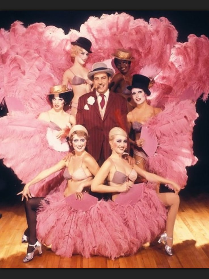 Jerry Orbach and the original cast of Chicago (1975).