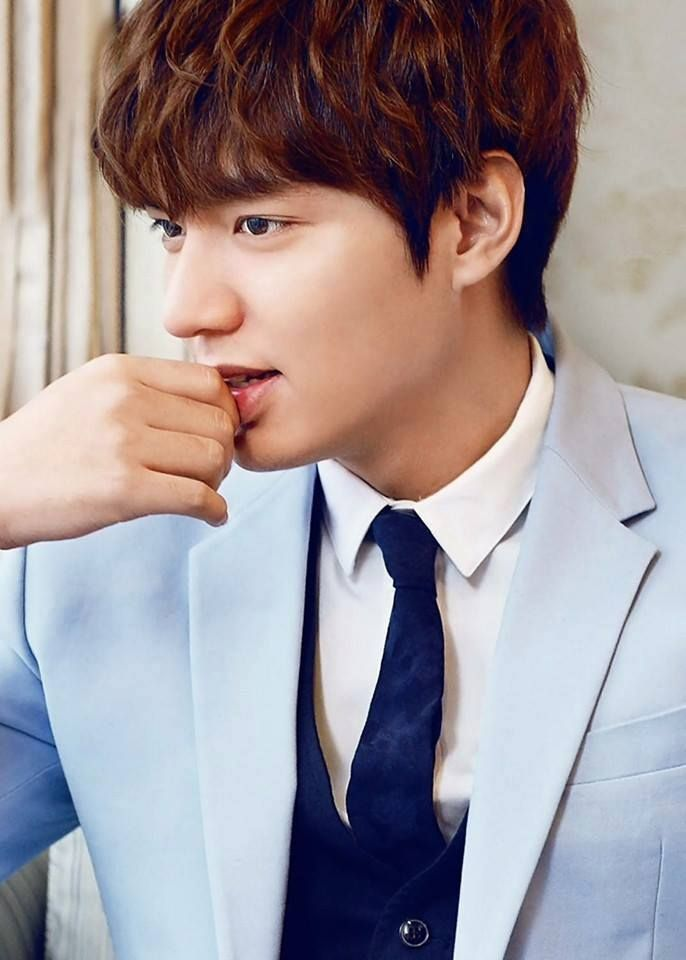 "Lee Min Ho. South Korean actor, model, singer. Performed in ""City Hunter,"" TV series based on the original manga."