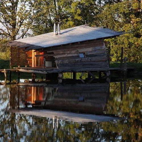 Kudy z nudy - Dobčické rybníčky - originální ubytování v dřevěných chatičkách