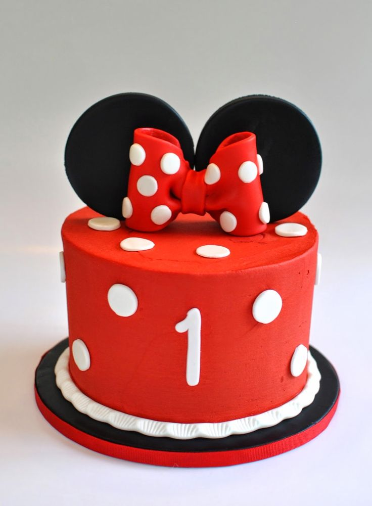 Minnie Mouse Smash Cake, Hope's Sweet Cakes, hopessweetcakes.com