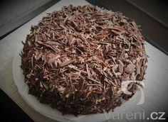 Recept na jednoduchý čokoládový dort pro všechny příležitosti.