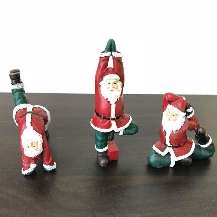 スタジオもすっかりクリスマス  サンタさんもヨガするみたい  12月にはステキなイベント  ありますよ  #ヨガ  クリスマス忘年会 12月23日祝日 11時30分から14時30分まで
