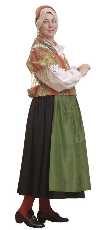 Maskun Naisten puku olisi ihana juhlavaate <3