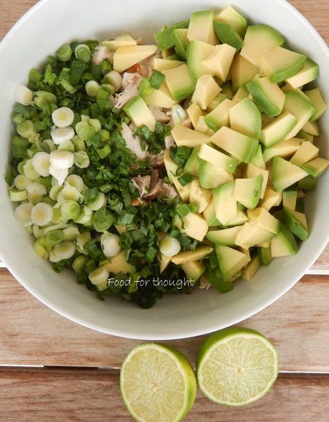 Food for thought: Κοτοσαλάτα με αβοκάντο και λάιμ