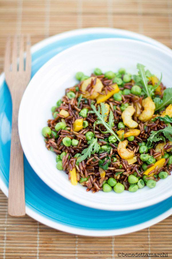 Prova  Riso Rosso Thai con i Gamberetti e il Curry per una ricetta dal sapore orientale. Puoi anche preparare la versione veg con il Tofu!