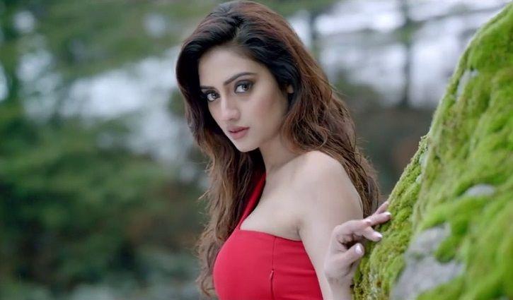ক্ষোভ ঝাড়লেন নুসরাত   Actresses, Indian film actress, Celebs