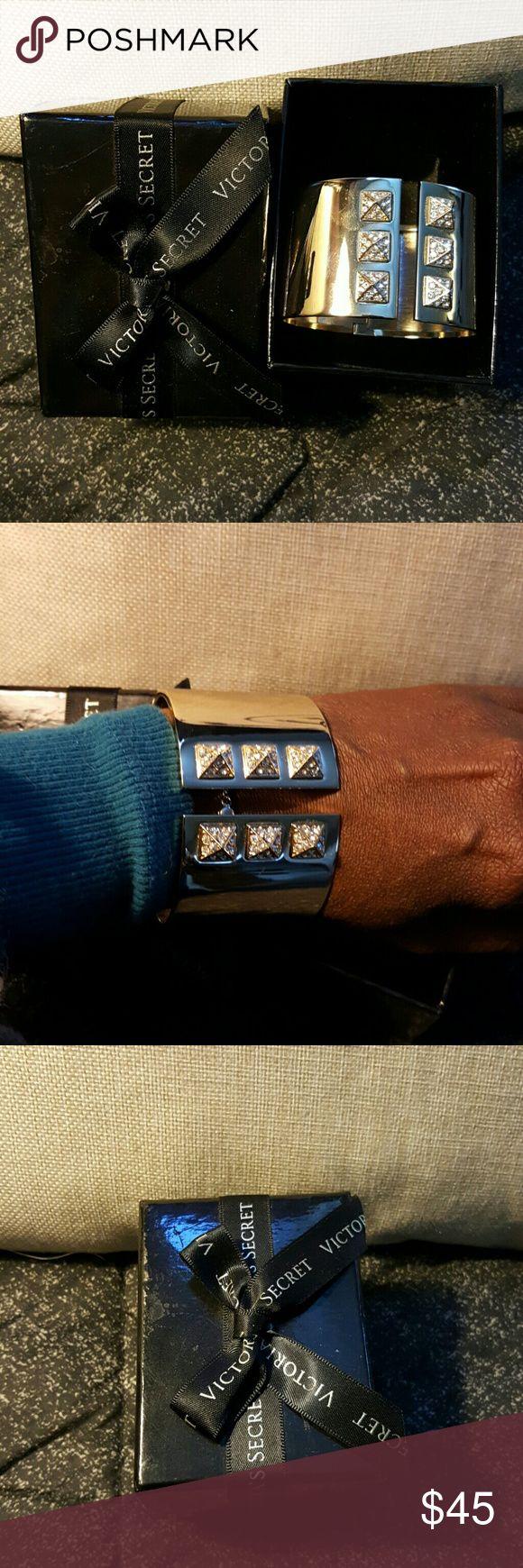 Victory secret bracelet Brand new,gorgeous including box Jewelry Bracelets