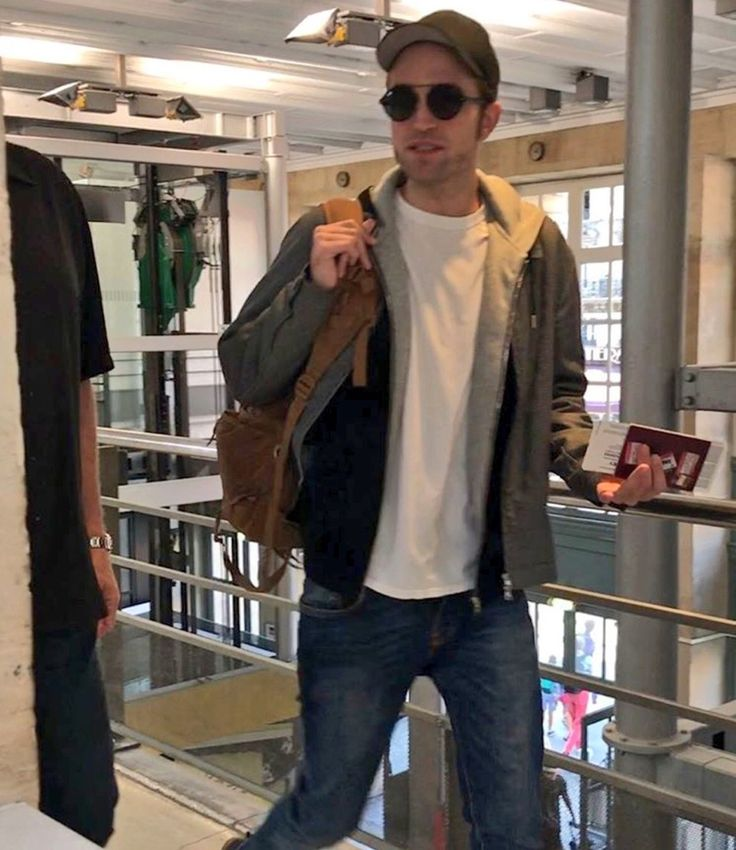 A NEW pic of Rob taken at the Gare Du Nord in Paris France, yesterday, July 4th 2017, taking the EUROSTAR train back home to London UK.