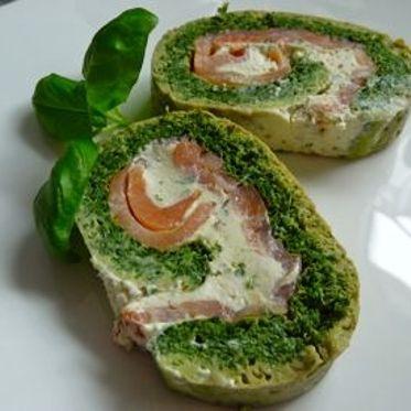 Spinat Roulade mit Lachs-Frischkäsefüllung
