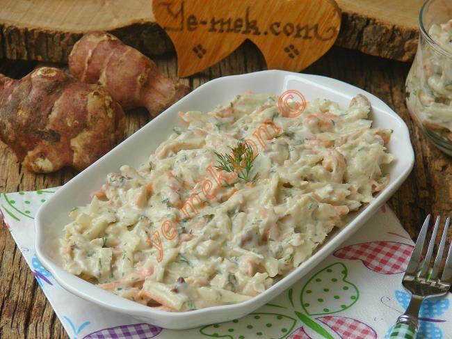 Mevsiminde mutlaka denemeniz gereken, lezzetli ve farklı bir salata tarifi...