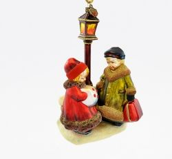 Children Under Lamp Post - Polishchristmasornaments