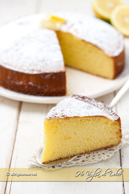 Torta al limone e yogurt soffice ricetta facile e veloce. Un dolce semplice con yogurt per la colazione e la merenda, buonissimo, profumato, facile da fare.