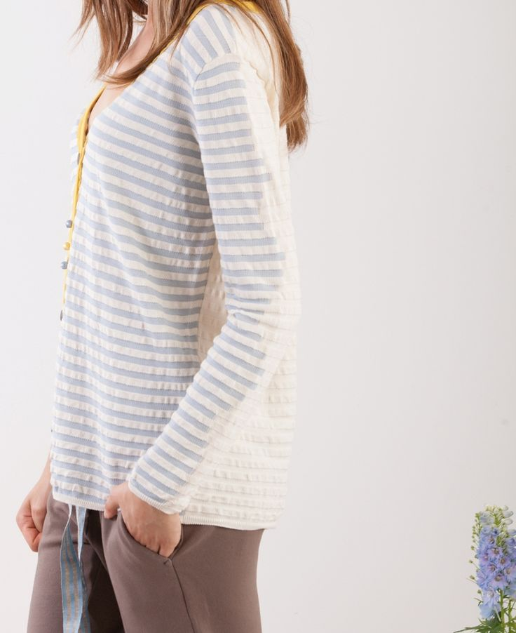 Momoé cardigan... stripes azure...white contrast....yellow toch...because we are knitwear
