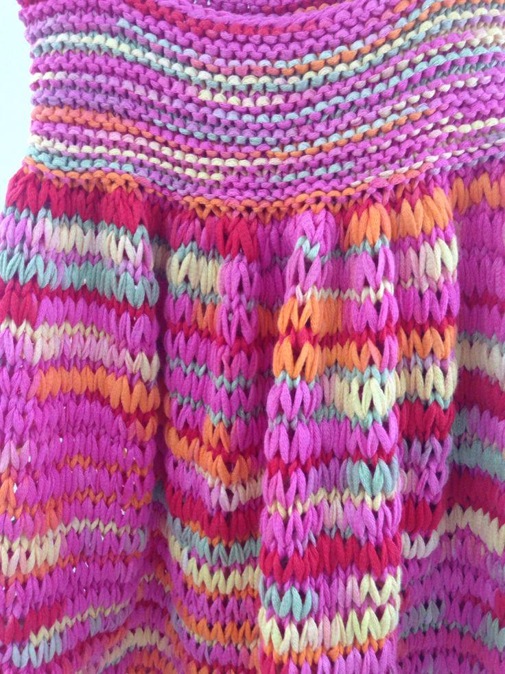 Detalle vestido niña, tejido con cinta jaspeada de algodón ÁGATA de Mondial