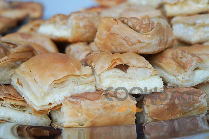 Παραδοσιακή τυρόπιτα at cooklos.gr