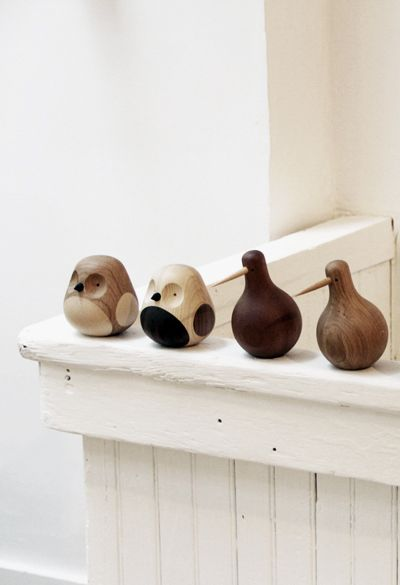 Lars Beller Fjetland's adorable collection of carved wooden birds. Taking a single piece of leftover mahogany, Fjetland brings these charming little things to life by way of a lathe. | Hem