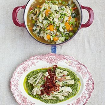 minestrone, poached chicken & salsa verde : Jaime Oliver's 15 minute meals