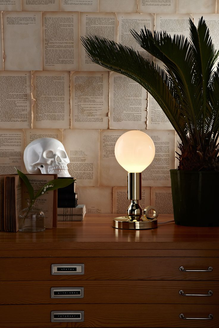 Tablelamp History.Brass and opal glass. Dimmer on cable. Really nice!
